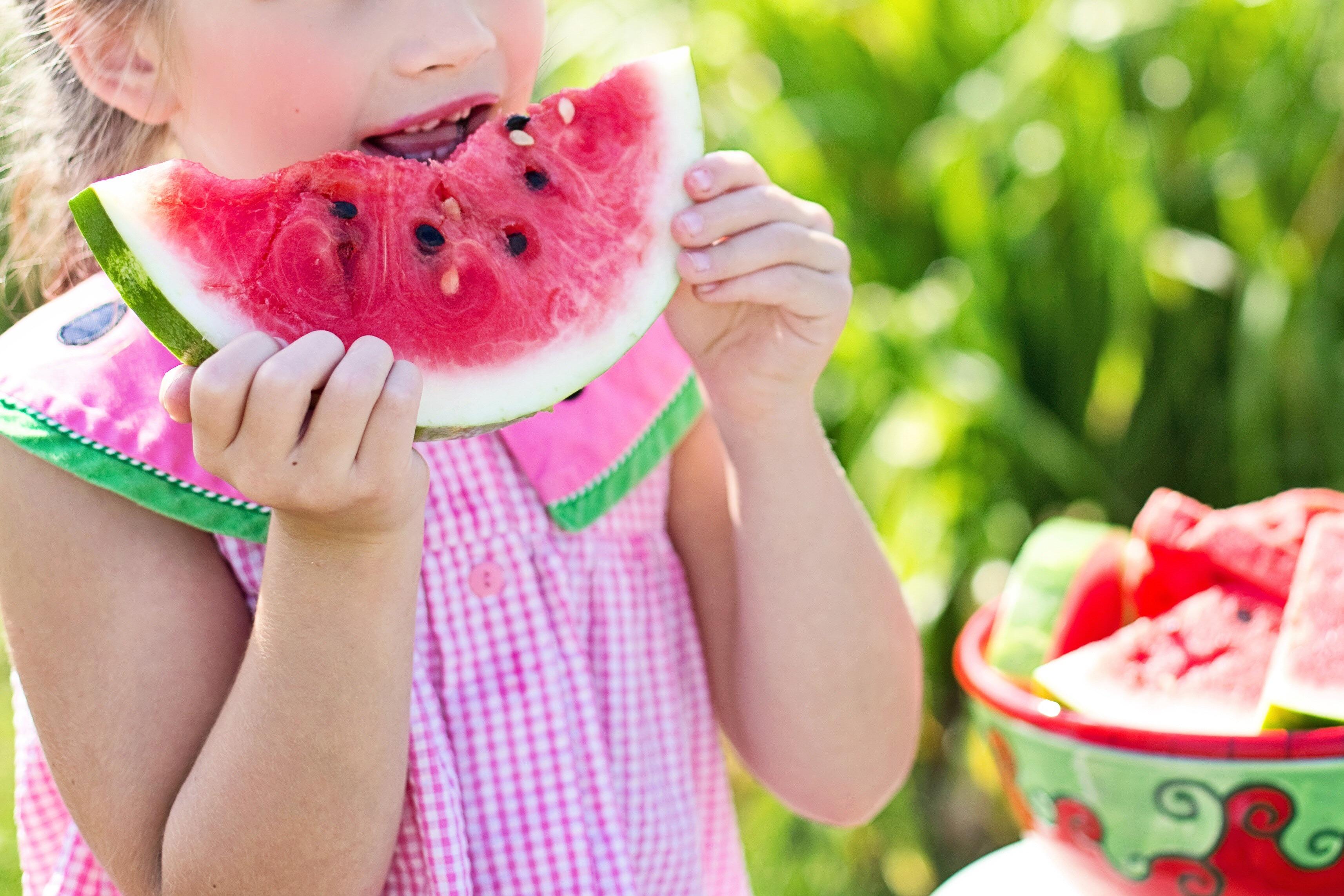 Hvor mye frukt og grønt bør barn egentlig spise?